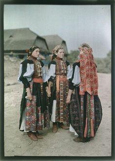 Folk Costume, Costumes, Hungary History, Montessori Art, Hungarian Embroidery, Folk Dance, Folk Music, Traditional Dresses, Old World