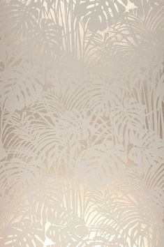 Tapete Persephone Fluffy palm branches made of flock fibers in gray and white form a tangible relief that stands out plastically from the shimmering background in pearl beige color. Luxury that pamper Flock Wallpaper, Metallic Wallpaper, Textured Wallpaper, Wall Wallpaper, Textured Walls, Pattern Wallpaper, Wallpaper Backgrounds, Wallpapers, Tapete Beige