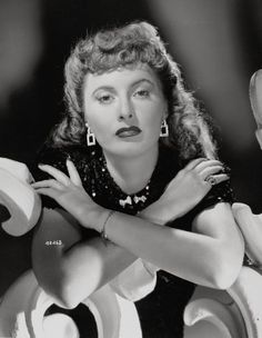 Barbara Stanwyck Old Hollywood Glamour, Golden Age Of Hollywood, Vintage Hollywood, Classic Hollywood, George Hurrell, Turner Classic Movies, Classic Films, Santa Monica, The Lady Eve
