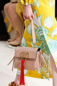 0583636d92e Valentino Spring 2019 Ready-to-Wear Fashion Show Details  See detail photos  for
