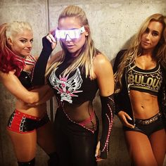 @alexa_bliss_wwe_ @natbynature and @carmellawwe are ready to #StealTheGlow at #WWESpringfield.