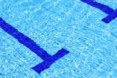 Schwimmbad - abgrenzung,  abkuehlen,  abkühlen,  bad,  badeanstalt,  bahn,  bassin,  erfrischung,  ferien,  laenge,  länge,  nass,  pool,  schwimmbad,  schwimmbecken,  schwimmen,  schwimmsport,  spiegelung,  sport,  wasser,  wellness