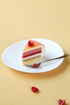 A receita em português está em baixo.     В преддверии дня всех влюблённых хочу поделиться с вами еще одним рецептом торта, ко...