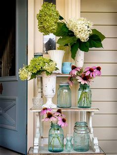 Breathtaking 10 Stunning DIY Mason Jars Decoration Ideas DIY Mason Jars is a simple idea but the results are truly fascinating. Maybe before you often throw away Mason jars because they think garbage and not. Mason Jar Crafts, Mason Jar Diy, Home Decor Bedroom, Diy Home Decor, Home Decoration, Wedding Decoration, Bedroom Ideas, Diy Décoration, Diy Crafts
