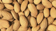 Mandel / Almond + Nüsse / Nuts