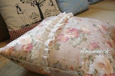 I made it for my friend. Romantic Cottage, Bed Pillows, Pillow Cases, Pattern, Home, Decor, Pillows, Decoration, Patterns