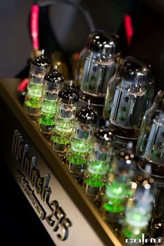 McIntosh what we offer nevertheless give credit where credit is due to a classic that I own personally ! High End Hifi, High End Audio, Radio Vintage, Radio Antigua, Valve Amplifier, New Tablets, Hifi Audio, Vacuum Tube, Loudspeaker