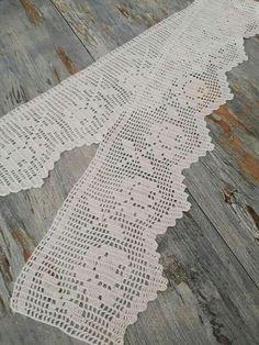 orillas para manteles a crochet de 1 vuelta Rugs, Crochet Ideas, Lace, Home Decor, Women, Table Toppers, Manualidades, Farmhouse Rugs, Decoration Home
