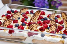 Chocolate raspberry dream dessert Quick dessert with curd cheese and berries Food temple Sushi Rice Recipes, Rice Recipes For Dinner, Dessert Recipes, Sushi Chef, Turkey Sandwiches, Broccoli Beef, Protein Breakfast, Comfort Food, Evening Meals