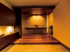 Japanese home - entrance Modern Japanese Interior, Japanese Modern House, Japanese Living Rooms, Modern Interior Design, Interior Architecture, Entry Way Design, Entrance Design, House Entrance, Massage Room Decor