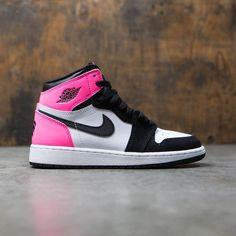 Air Jordan 1 Retro High OG Big Kids (black / black-hyper pink-white)