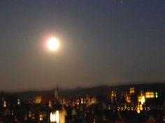 Die Tübinger Stiftskirche und Altstadt bei Nacht