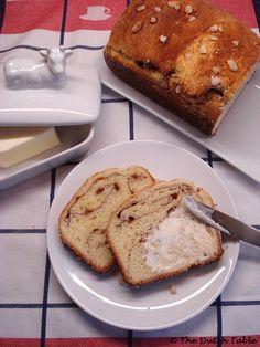 The Dutch Table: Fryske Sûkerbôle (Dutch Frisian Sugar Loaf) awesome website with awesome Dutch recipes! Traditional Dutch Recipes, Swedish Recipes, Danish Recipes, Raisin Cake, Yummy Treats, Yummy Food, Sugar Bread, Danish Food, Breakfast Dishes