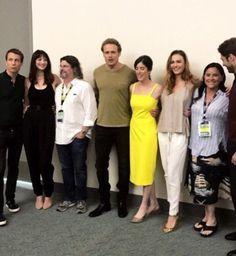 Outlander cast at San Diego Comic Con 2017 Outlander Season 4, Outlander Casting, Outlander Tv Series, Outlander Quotes, Tartan, Laura Donnelly, John Bell, Richard Rankin, Jaime Fraser