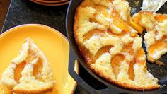 """52 Ways to Cook: Peach Cobbler in a Cast Iron Skillet """"Old School"""" Cuppa Cuppa Cuppa Recipe Cast Iron Skillet Cooking, Iron Skillet Recipes, Cast Iron Recipes, Skillet Peach Cobbler, Cobbler Topping, Cobbler Recipe, Yummy Eats, Yummy Food, Delicious Recipes"""