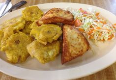 My husband ordered this with every meal while in Nicaragua. I should attempt to make it. Tostones y queso frito, yummy Nicaraguan food from Doña Norma's.