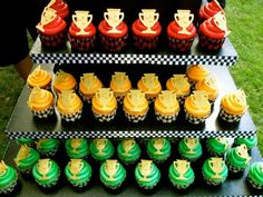 NASCAR trophy cupcake tower…Perfect for a racing-themed birthday party! NASCAR trophy cupcake tower…Perfect for a racing-themed birthday party! Green Cupcakes, Colored Cupcakes, Trophy Cupcakes, Ice Cream Station, 6th Birthday Parties, Birthday Ideas, 2nd Birthday, Nascar Party, Race Car Birthday