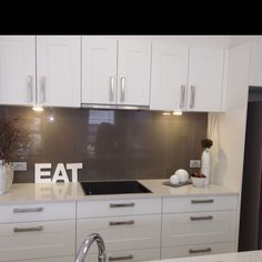 DARK Grey glass splashback on white bench & cabinets Kitchen Colour Schemes, Kitchen Colors, Kitchen Renovation Inspiration, Kitchen Benches, Best Kitchen Designs, Grey Kitchens, Cuisines Design, Interior Design Kitchen, New Kitchen