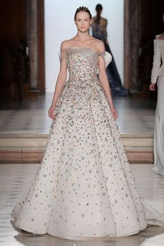 Tony Ward Spring/Summer 2018 Couture | British Vogue