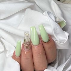 Citrine' Spa Basingstoke is the next level of modern nails & spa salon providing you the latest generation of nail. Cute Acrylic Nail Designs, Simple Acrylic Nails, Summer Acrylic Nails, Best Acrylic Nails, Acrylic Nails Green, Green Nail Designs, Green Nail Art, Long Nail Designs, Simple Nails