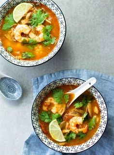 Bouillon thaï aux crevettes & champignons (façon Tom Yam Kung) - The Best For Dinner Chicken Recipes Chicken Broth Recipes, Ramen Recipes, Easy Soup Recipes, Cooking Recipes, Healthy Recipes, Noodle Recipes, Quick And Easy Soup, Quick Easy Meals, Asian Recipes