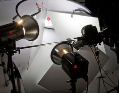 jewelry photography lighting setup with large boam board reflectors