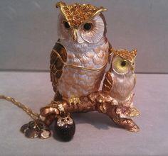Kingspoint Owl trinket box with owl pendant