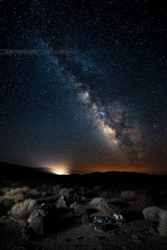 Death Valley with the Milky Way Galaxy in the night sky. Death Valley, Beautiful Sky, Beautiful World, Cosmos, Sky Full Of Stars, Visualisation, Space And Astronomy, To Infinity And Beyond, Out Of This World