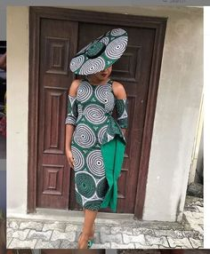 ankara mode Have a ceremony to attend and want to look your best? These beautiful ankara styles for wedding will help you decide what to sew. African Fashion Ankara, African Inspired Fashion, Latest African Fashion Dresses, African Print Fashion, Africa Fashion, Trendy Ankara Styles, Ankara Dress Styles, African Print Dresses, Blouse Styles