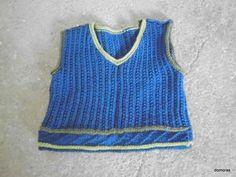 ROBERTO, eine tolle Strickweste aus leichter Wolle für Babys. Zum Selbermachen - Strickanleitung von domoras