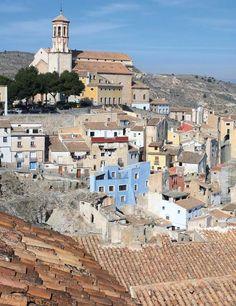 Ciudad de Cehegín en provincia de Murcia. España .Vista de la plaza del Coso antes de empezar con las obras del jardin El Oasis.