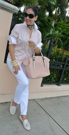 Fashion Trends for Women Over 50 - Fashion Trends Mature Fashion, Over 50 Womens Fashion, 50 Fashion, Fall Fashion Trends, Fashion Over 40, Look Fashion, Autumn Fashion, Fashion Outfits, Casual Chic
