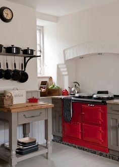 Cotswolds Cottage: Charming Home Tour - Town & Country Living