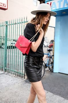 leather skirt, edgy look, how to wear leather Rocker Girl, Rocker Style, Edgy Style, Edgy Look, Edgy Summer Style, Winter Style, Autumn Style, Double Denim, Fashion Capsule