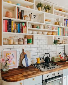 Home Decor Kitchen, Kitchen Interior, Home Kitchens, Kitchen Dining, Up House, Cozy House, Interior Styling, Interior Design, Home And Deco