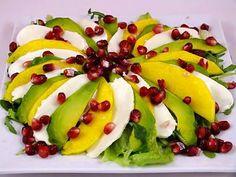 Kuchnia w wersji light: Sałatka z mango, awokado i mozarellą