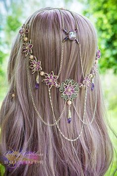 Here is the list of some beautiful Hair ornaments . Head Jewelry, Cute Jewelry, Hair Accessories For Women, Fashion Accessories, Twist Headband, Circlet, Fantasy Jewelry, Tiaras And Crowns, Hair Ornaments