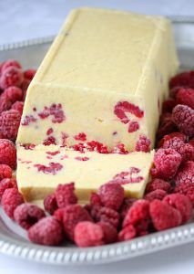 Vannbakkels - krem.no Croquembouche, Eclairs, Cheesecake, Dairy, Food And Drink, Cheesecakes, Cherry Cheesecake Shooters