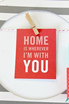 DIY Wall Art & Bow Tutorial! SO cute and easy to display quotes in your home!