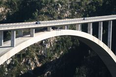 Bloukrans River Bridge in Natures Valley, Garden Route. Bungi jump the highest commercial bungi jump in the world! The Bloukrans Bungi Jump surpasses . Cape Town, February, Bridge, Photographs, River, World, Garden, Nature, Garten