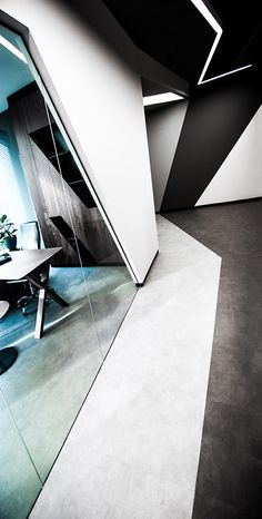 Image 4 of 15 from gallery of CTHB Law Office / Salon Alper Derinbogaz. Photograph by Büşra Yeltekin Corporate Interior Design, Corporate Interiors, Office Interiors, Law Office Design, Workplace Design, Design Offices, Design Commercial, Commercial Interiors, Home Interior