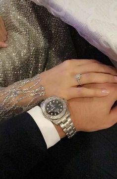 Cute Muslim Couples, Cute Couples Goals, Romantic Couples, Classy Couple, Elegant Couple, Flipagram Instagram, Couple Hands, Vintage Couples, Gold Diamond Earrings