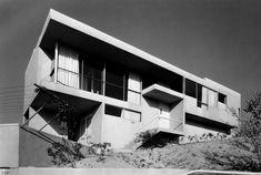 The Oliver House. R. M. Schindler.  1934. Los Angeles, California.
