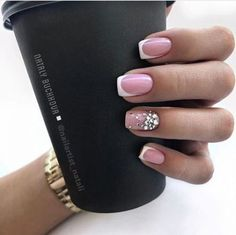 Semi-permanent varnish, false nails, patches: which manicure to choose? - My Nails Classy Nail Designs, Short Nail Designs, Fall Nail Designs, French Nail Designs, Long Nails, My Nails, Short Nails, Fall Nails, Manicure Gel