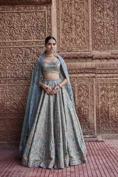 Ghamsan New Portal provide you all the latest updates in India, Technology, Business and Career. Indian Bridal Outfits, Indian Bridal Lehenga, Indian Designer Outfits, Indian Dresses, Indian Clothes, Pakistani Bridal, Pakistani Dresses, Indian Attire, Indian Wear
