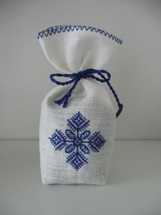 Cross Stitch Embroidery, Embroidery Patterns, Hand Embroidery, Cross Stitch Patterns, Lavender Crafts, Lavender Bags, Embroidered Christmas Stockings, Christmas Embroidery, Palestinian Embroidery