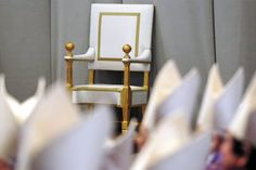 INFIERNO VATICANO. El largo enfrentamiento entre los grupos liderados por los cardenales Tarcisio Bertone y Angelo Sodano llevaron al papa a la renuncia, en un último intento de reconciliar y reunificar a la Iglesia católica.