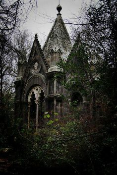 Hidden Abandoned Churches, Abandoned Mansions, Abandoned Places, Spooky Places, Haunted Places, Chateau Hanté, Gothic Mansion, Gothic Castle, Victorian Gothic