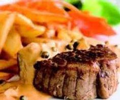 Lekker biefstukje geserveerd met patatjes en wat groenten