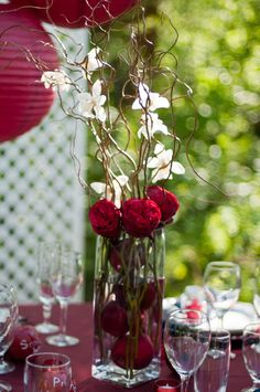 Snow White inspired - close up of Table Setting - Love this centerpiece and the writing on the crystal.